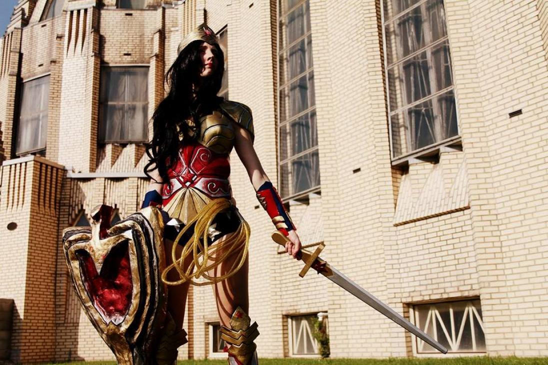 cosplay girls costume wonder woman female rachel grey pic of the day cosplayer tips tricks