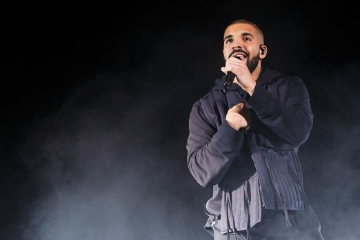 drake s views album tops billboard 200 and shatters streaming